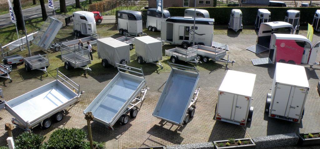 WK Eerbeek Kiepers verkoopwagens koelwagens vrieswagens plateauwagens